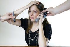 телефоны 3 детеныша женщины стоковые изображения