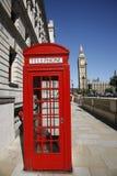 телефон красного цвета будочки ben большой Стоковая Фотография RF