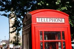 телефон красного цвета будочки ben большой Стоковые Фотографии RF
