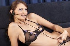 телефон шлемофона девушки компьютера Стоковая Фотография