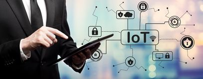 Тема безопасностью IoT с бизнесменом стоковое изображение