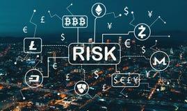Тема риска Cryptocurrency с городским Лос-Анджелесом стоковое фото rf