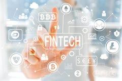 Тема Cryptocurrency Fintech с молодым человеком стоковое изображение