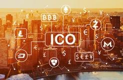 Тема Cryptocurrency ICO с видом с воздуха горизонта NY Стоковое Изображение