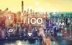Тема Cryptocurrency ICO с видом с воздуха Манхаттана, NY Стоковые Изображения RF