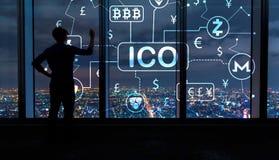 Тема Cryptocurrency ICO с человеком большими окнами на ноче Стоковое фото RF