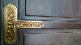 Темная деревянная предпосылка с текстурой двери старого виска Деревянная доска Стоковое Изображение RF