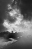 Темная загадочная дорога Стоковое Изображение
