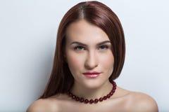 темная с волосами модель женское бельё Стоковые Изображения