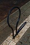 Темное запирающее устройство велосипеда стоковые изображения rf