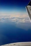 Темносинее небо снаружи стоковое изображение rf