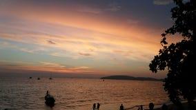 Темнота океана моря захода солнца пляжа Стоковое Изображение RF