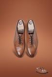 Темные ботинки замши людей Стоковое Фото