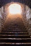 Темные, каменистые шаги в замок Палермо стоковое изображение
