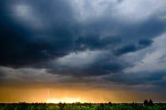 Темные облака шторма в Польше Стоковые Изображения RF