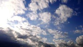 Темные эпичные облака акции видеоматериалы