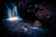 темный водопад Стоковая Фотография