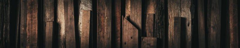 Темный год сбора винограда выдержал исправленная деревянная предпосы стоковые изображения rf
