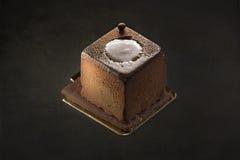Темный десерт шоколада на черной предпосылке Стоковая Фотография RF
