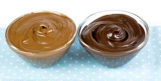 Темный десерт choc и фундука cream стоковое изображение