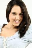 темный женский с волосами усмехаться Стоковые Фото