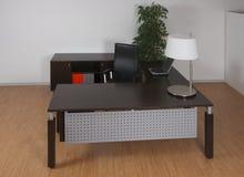 темный офис стола Стоковое Изображение RF