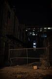 Темный переулок города на ноче Стоковая Фотография RF