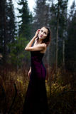 Темный портрет женщины под дождем Стоковые Фотографии RF