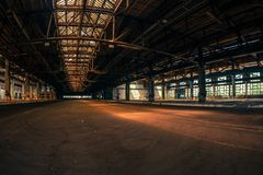 Темный промышленный интерьер Стоковая Фотография RF