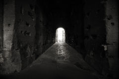 темный пустой тоннель Стоковые Фото