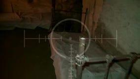 Темный старый покинутый подземный тоннель Катакомбы года сбора винограда Grunge Страшная предпосылка для войск поисков видеоматериал