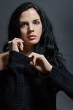 Темный унылый портрет красоты брюнет стоковая фотография
