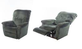 Темный ый-зелен обратимый стул складчатости при держатель ног изолированный на белой предпосылке Стоковое фото RF