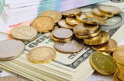 темпы роста девизов в долларах принципиальной схемы 3d понижаясь Стоковое Изображение RF