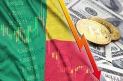 Тенденция флага и cryptocurrency Бенина понижаясь с 2 bitcoins на долларовых банкнотах иллюстрация вектора