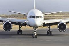 ТЕНЕРИФЕ 17-ОЕ ИЮЛЯ: Самолет к земле 17-ое июля 2017, канерейка Тенерифе Стоковое Изображение