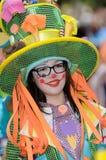 ТЕНЕРИФЕ, 17-ОЕ ФЕВРАЛЯ: Группы масленицы и костюмированные характеры Стоковая Фотография
