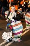 ТЕНЕРИФЕ, 17-ОЕ ФЕВРАЛЯ: Группы масленицы и костюмированные характеры Стоковое Изображение RF