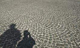 тени дороги булыжника Стоковые Фото