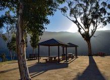 Тени зоны пикника на восходе солнца Стоковое фото RF
