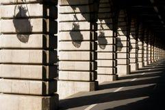 Тени на мосте Bercy - Париж стоковое фото rf
