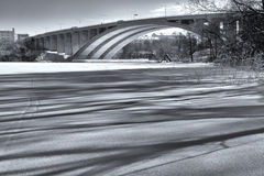 Тени на снежке стоковые фото