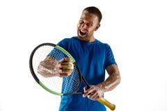 Теннисист заискивая вниз со смотреть нанесенный поражение и грустный стоковые фотографии rf