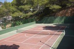 Теннисный корт в Ibiza стоковая фотография rf