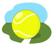 Теннисный мяч на суде Стоковые Изображения