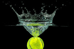 Теннисный мяч Стоковое Изображение