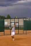 теннис подачи Стоковое Изображение RF