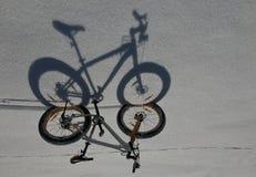 Тень велосипедов снега Стоковые Изображения