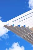 Тень жалюзи/солнца с предпосылкой голубого неба Стоковая Фотография