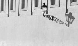 Тень на стене стоковое изображение